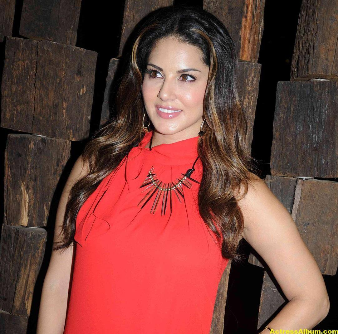 Sunny Leone Hot Cute Photos In Red Dress 3