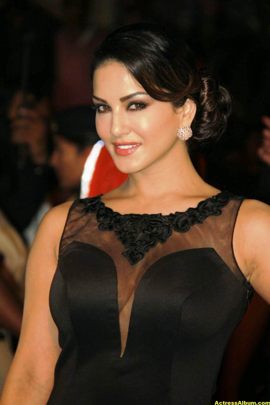 Sunny Leone Hot Photos In Black Dress