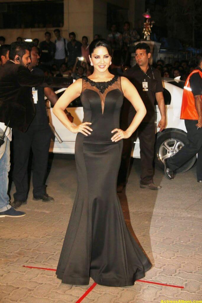 Sunny leone Hot Photos In Black Dress 2