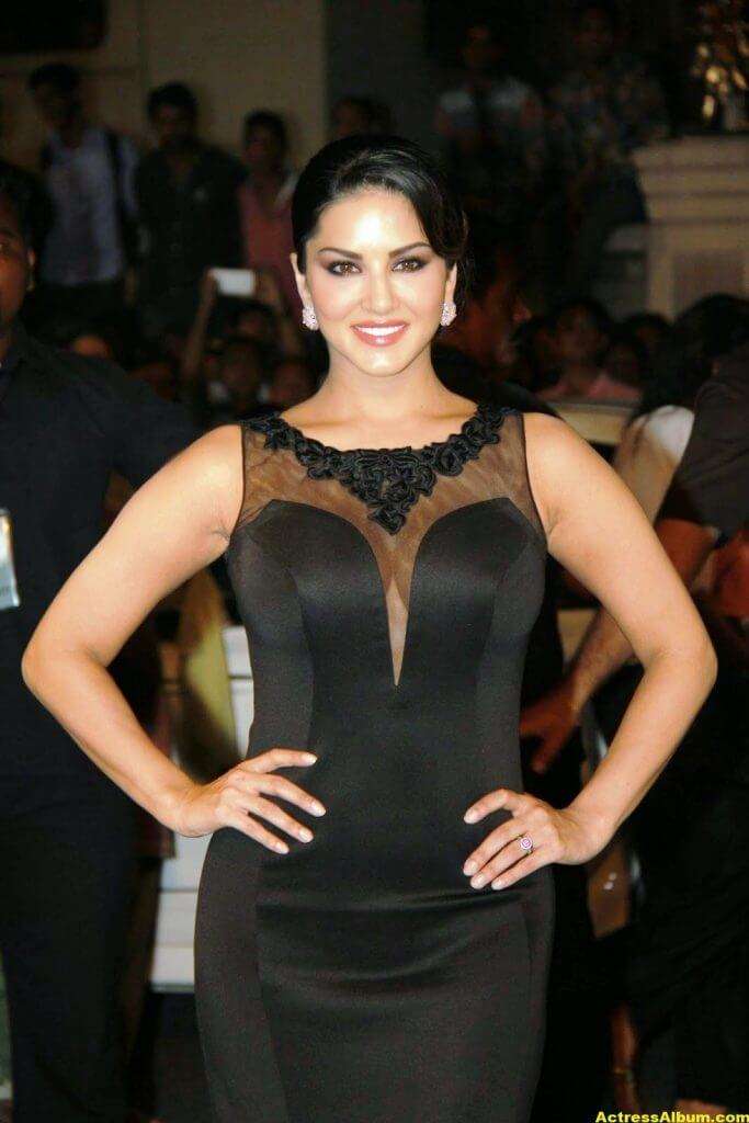 Sunny leone Hot Photos In Black Dress 4