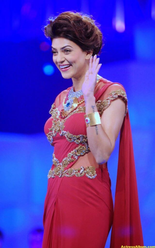 Sushmita Sen Hot Photos In Red Saree 2