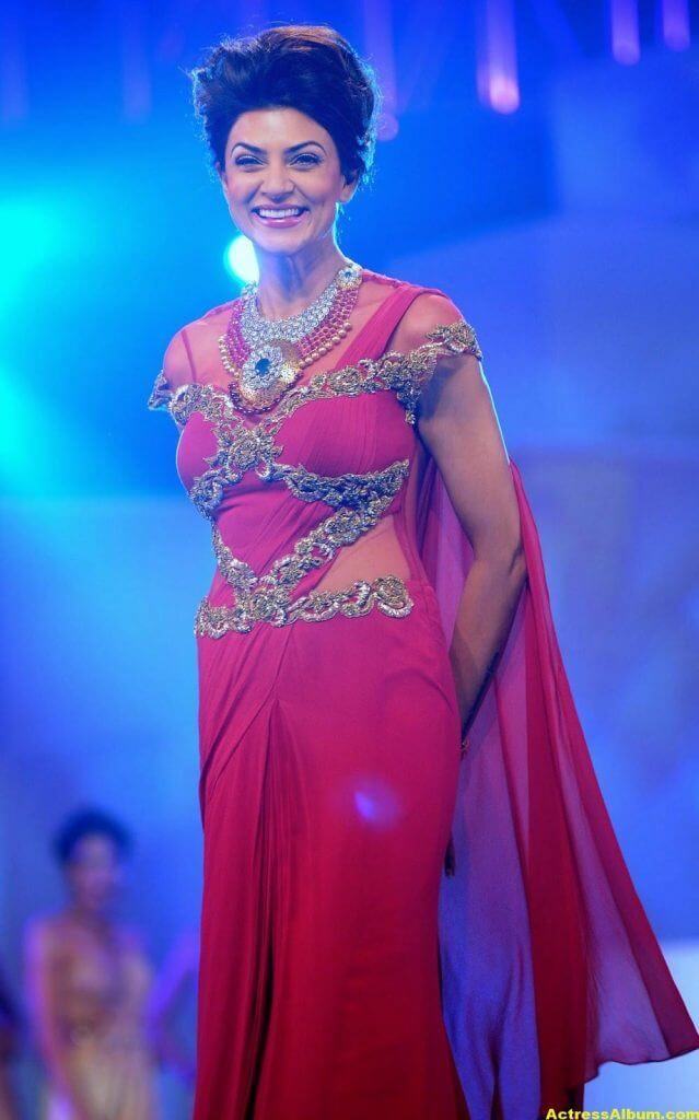 Sushmita Sen Hot Photos In Red Saree 3