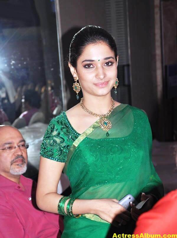Tamanna Hot Photos In Green Saree 1
