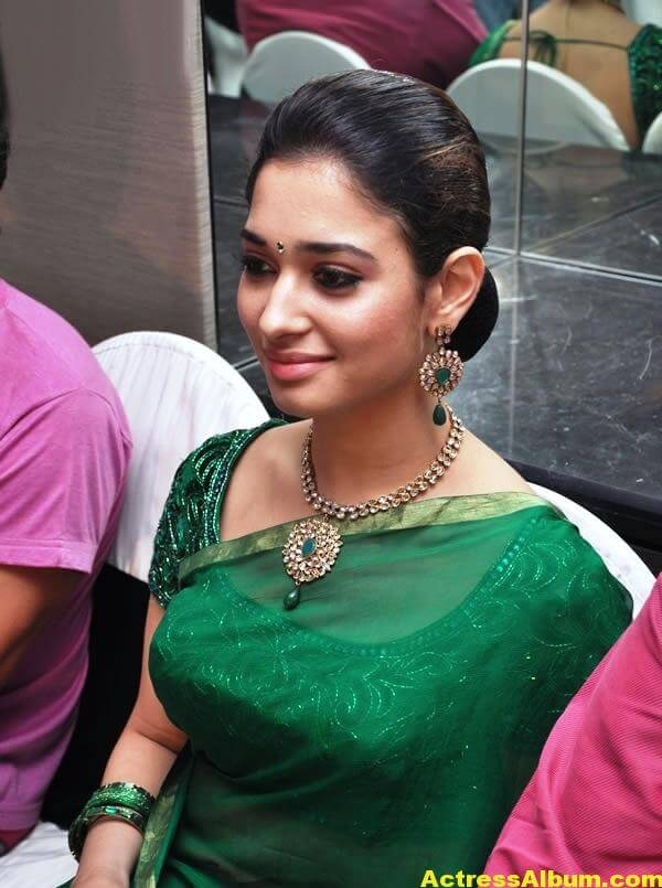 Tamanna Hot Photos In Green Saree 2