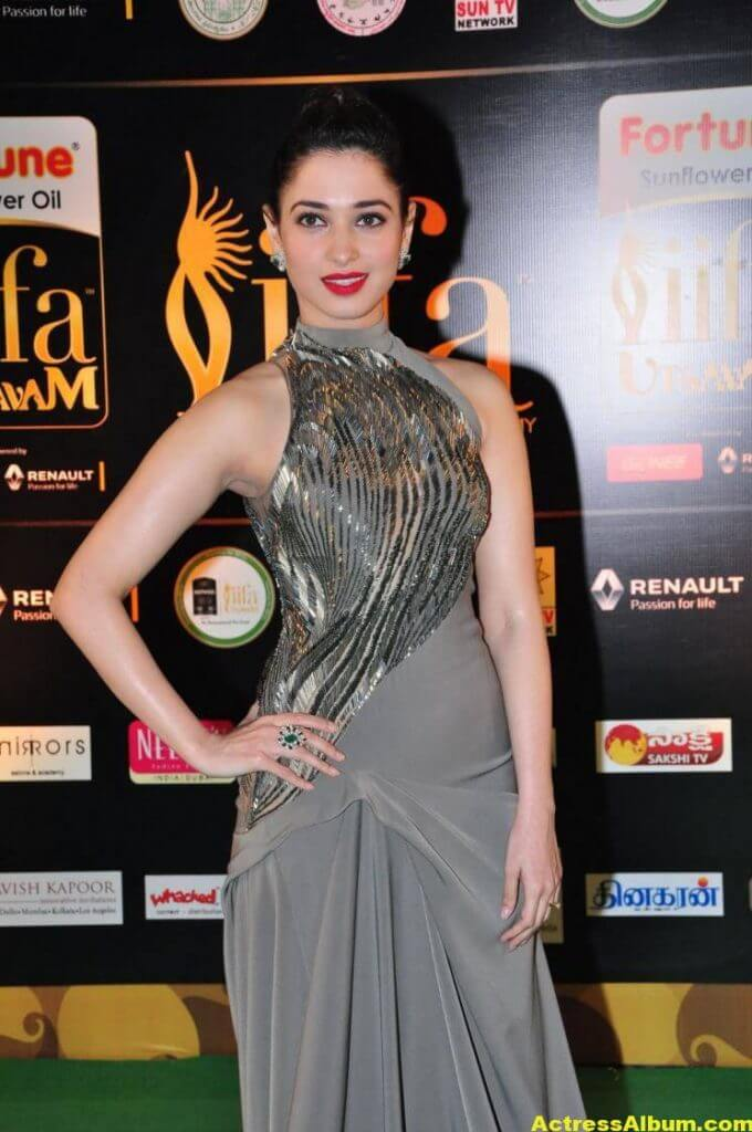 Tamanna Hot Stills At IIFA Utsavam Awards (7)