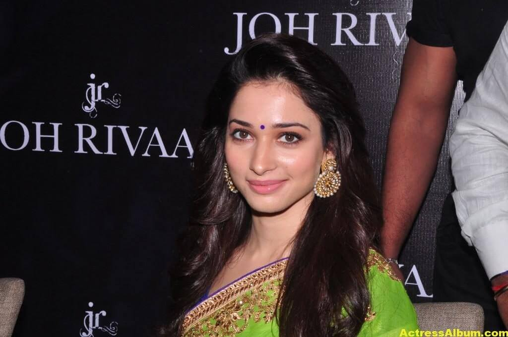 Tamanna Latest Hot Navel Show Stills In Green Saree (2)