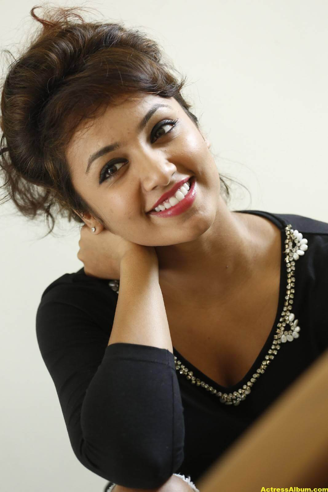Tejaswi Latest Photos In Black Dress 1