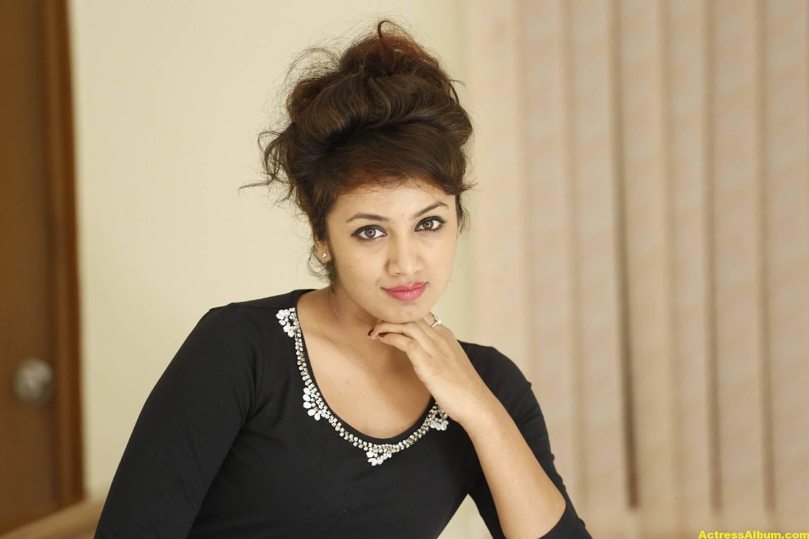 Tejaswi Latest Photos In Black Dress 7