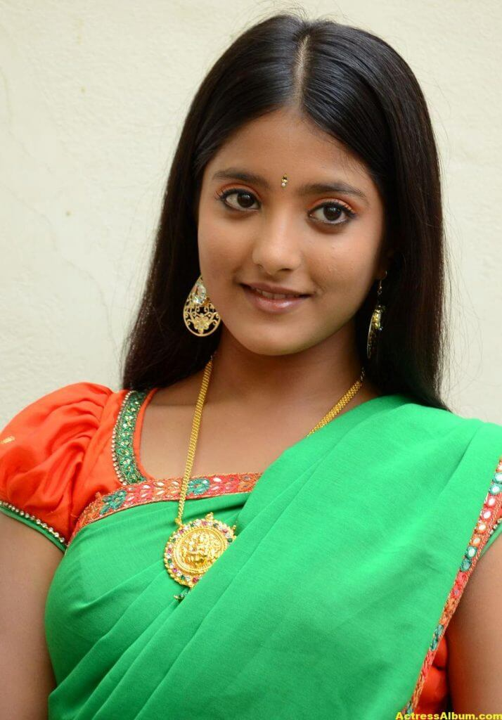 Ulka Gupta Photos In Traditional Green Half Saree (2)