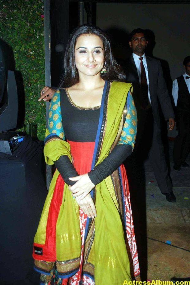Vidya balan Latest Stills In green Dress 1
