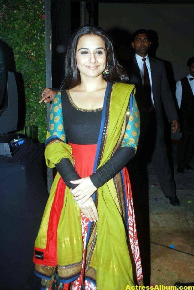 Vidya balan Latest Stills In green Dress 1
