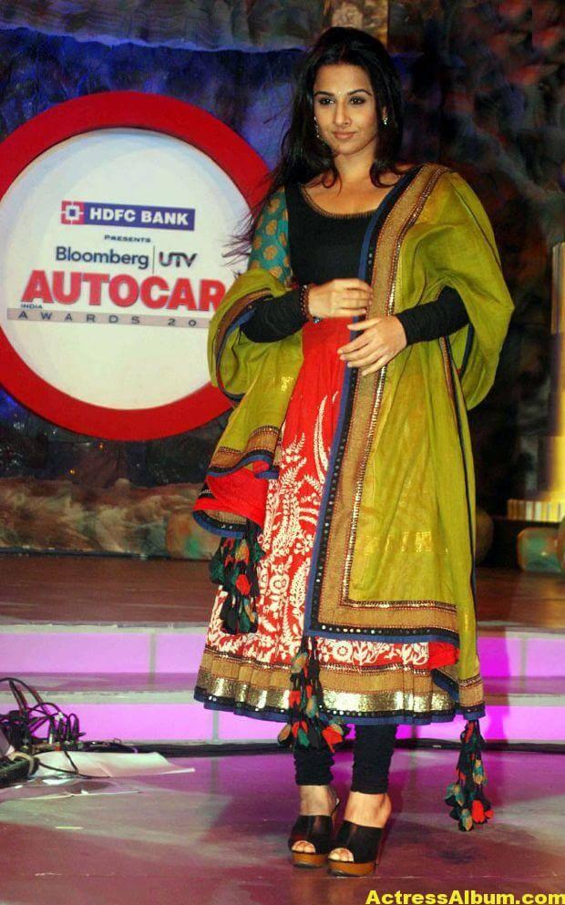 Vidya balan Latest Stills In green Dress 3