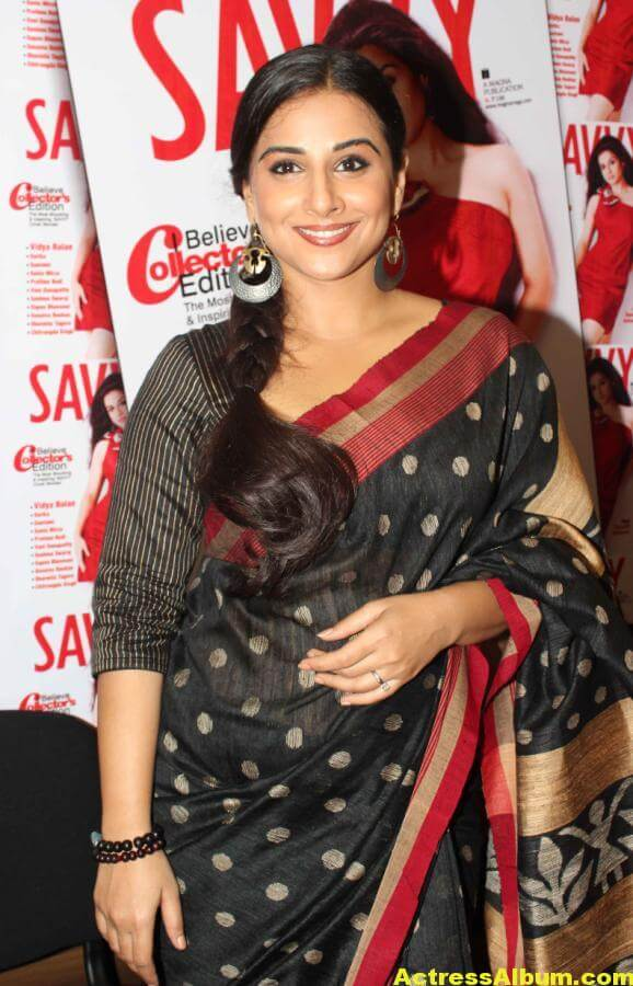Vidya Balan Very Hot Hot Photos In Black Saree 1