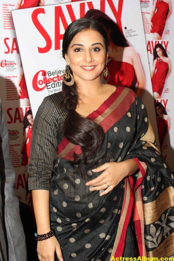 Vidya Balan Very Hot Hot Photos In Black Saree 6