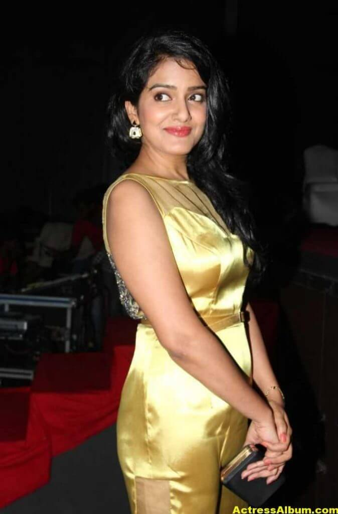 Vishakha Singh Hot Photos In Yellow Dress (7)