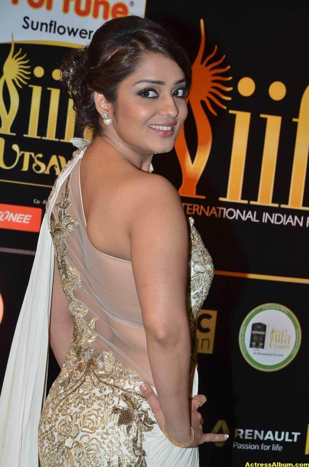 Actress Nikita Thukral Hot Stills At IIFA Utsavam In White Saree 1