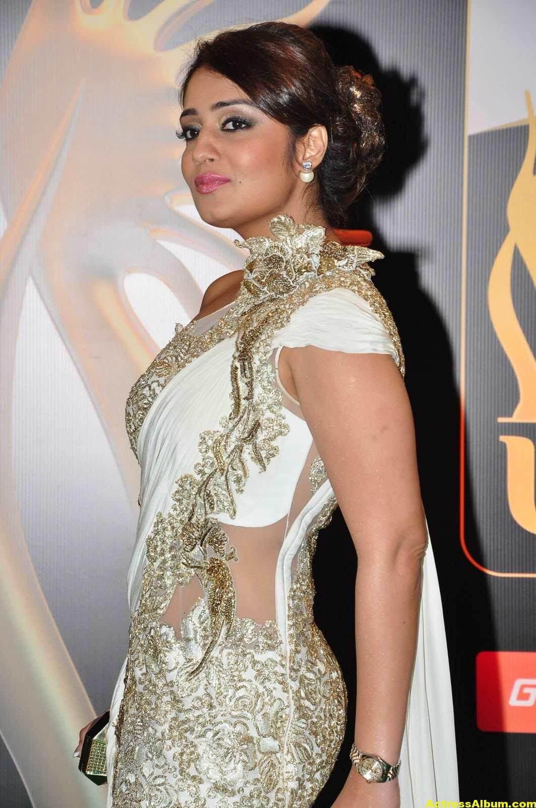Actress Nikita Thukral Hot Stills At IIFA Utsavam In White Saree 3