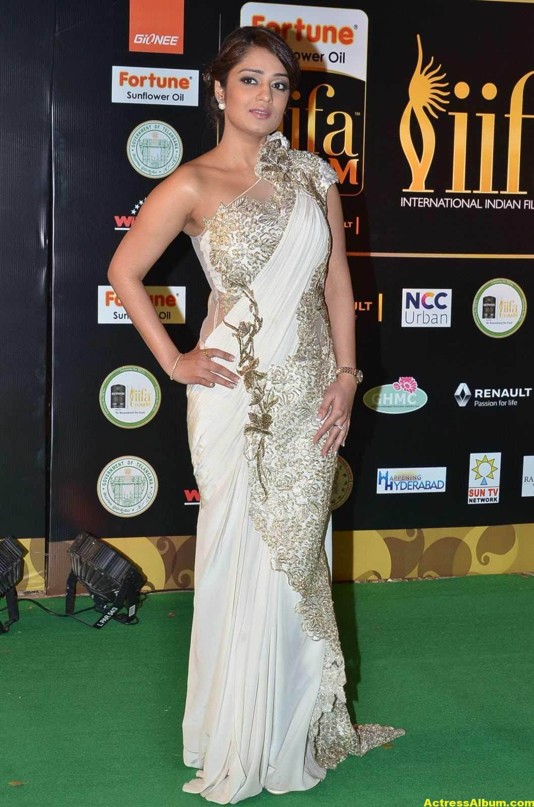 Actress Nikita Thukral Hot Stills At IIFA Utsavam In White Saree 5