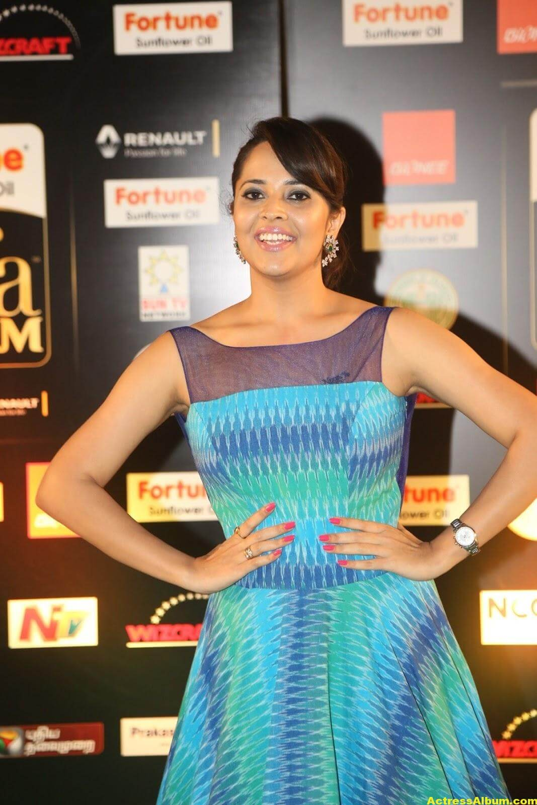 Anchor Anasuya Stills At IIFA Utsavam Awards 2