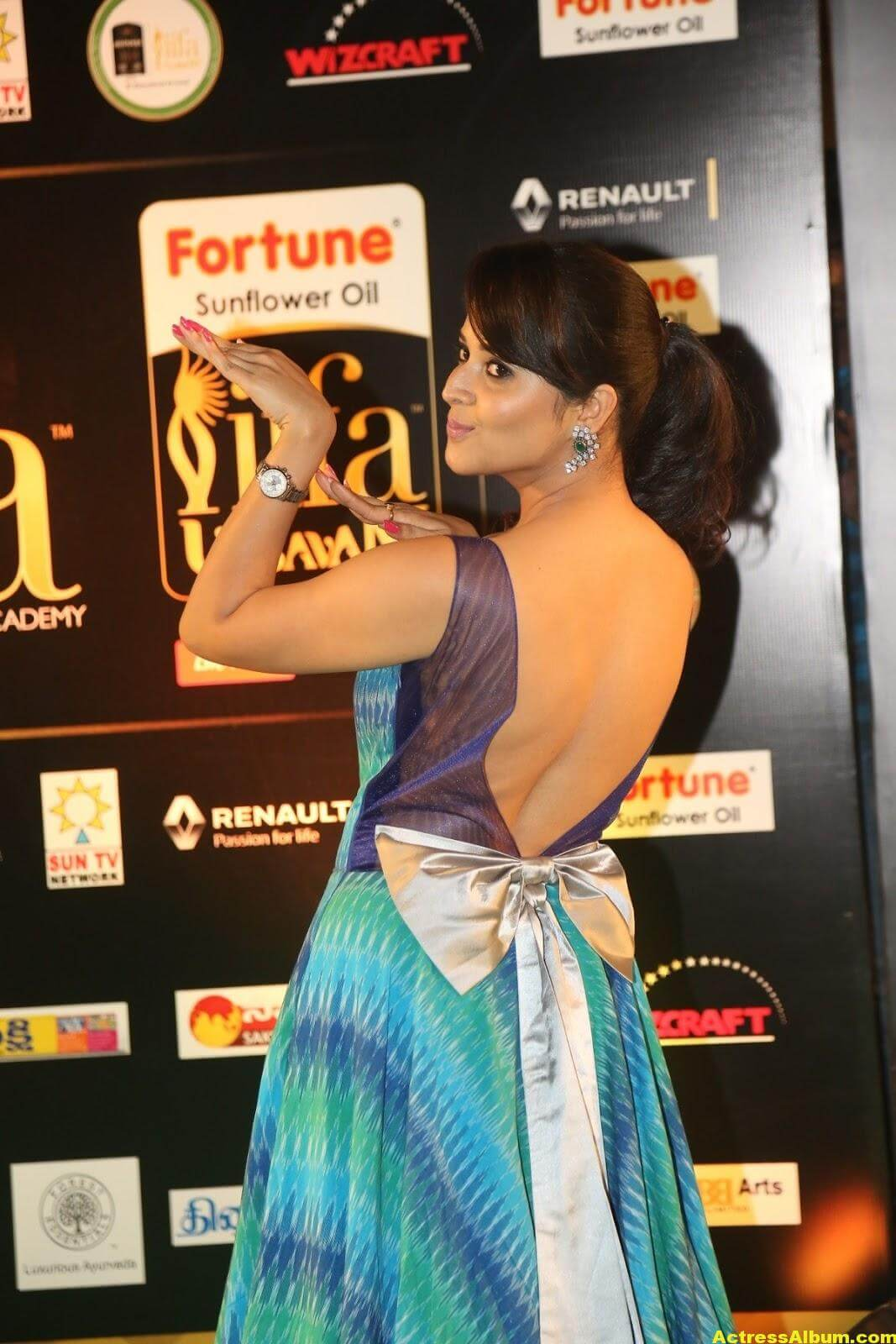 Anchor Anasuya Stills At IIFA Utsavam Awards 6