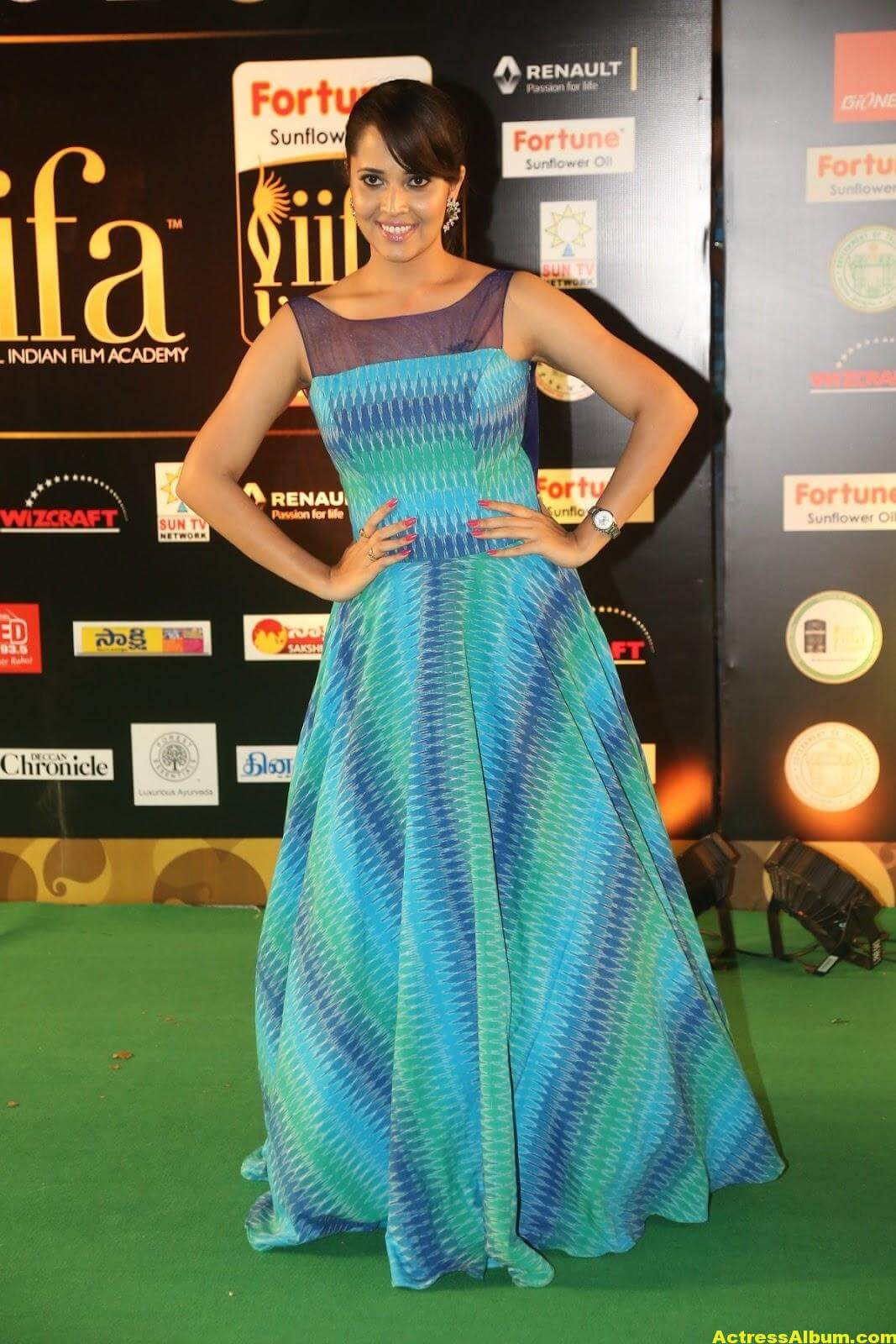 Anchor Anasuya Stills At IIFA Utsavam Awards 7