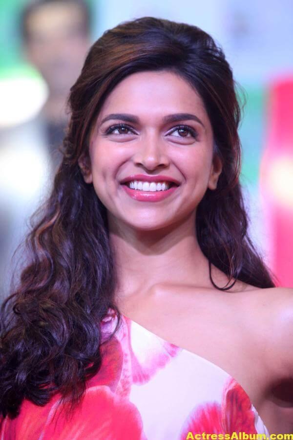 Deepika Padukone Hot Smiling Photos In Red Dress 1