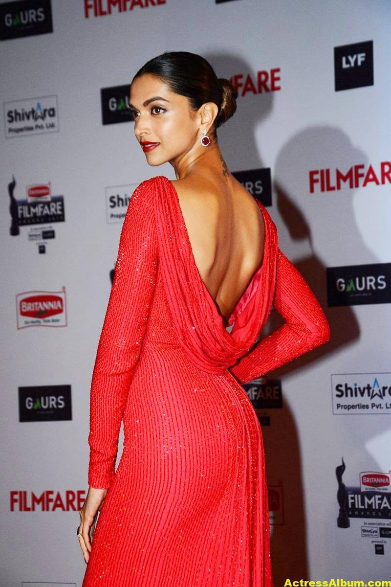 Deepika Padukone Latest Photos at Filmfare Awards In Red Dress 2