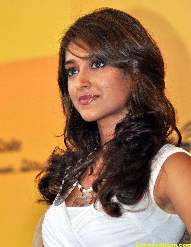 Ileana Hot Photos In White Dress 2