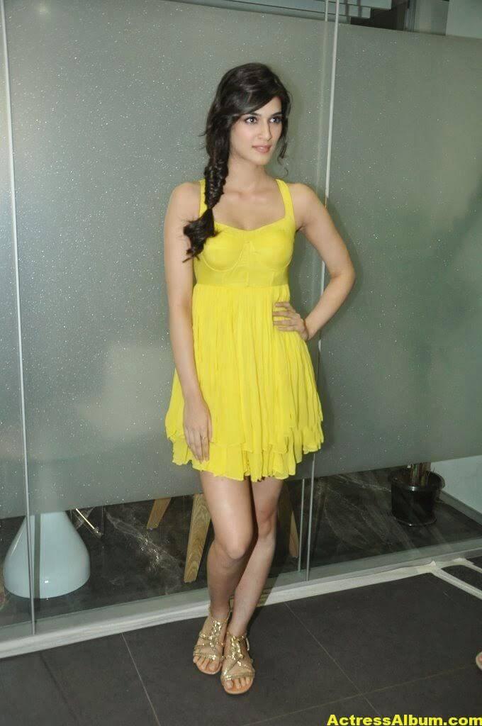 Kriti Sanon Hot Lags Show Photoshoot Stills In Yellow Top 3