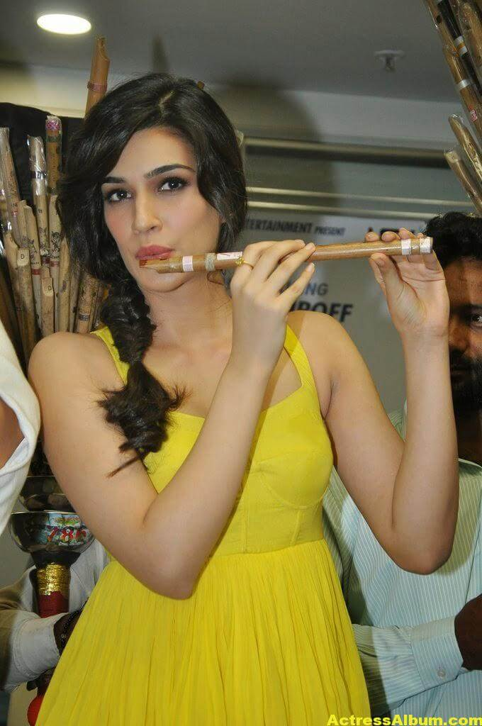 Kriti Sanon Hot Lags Show Photoshoot Stills In Yellow Top 6