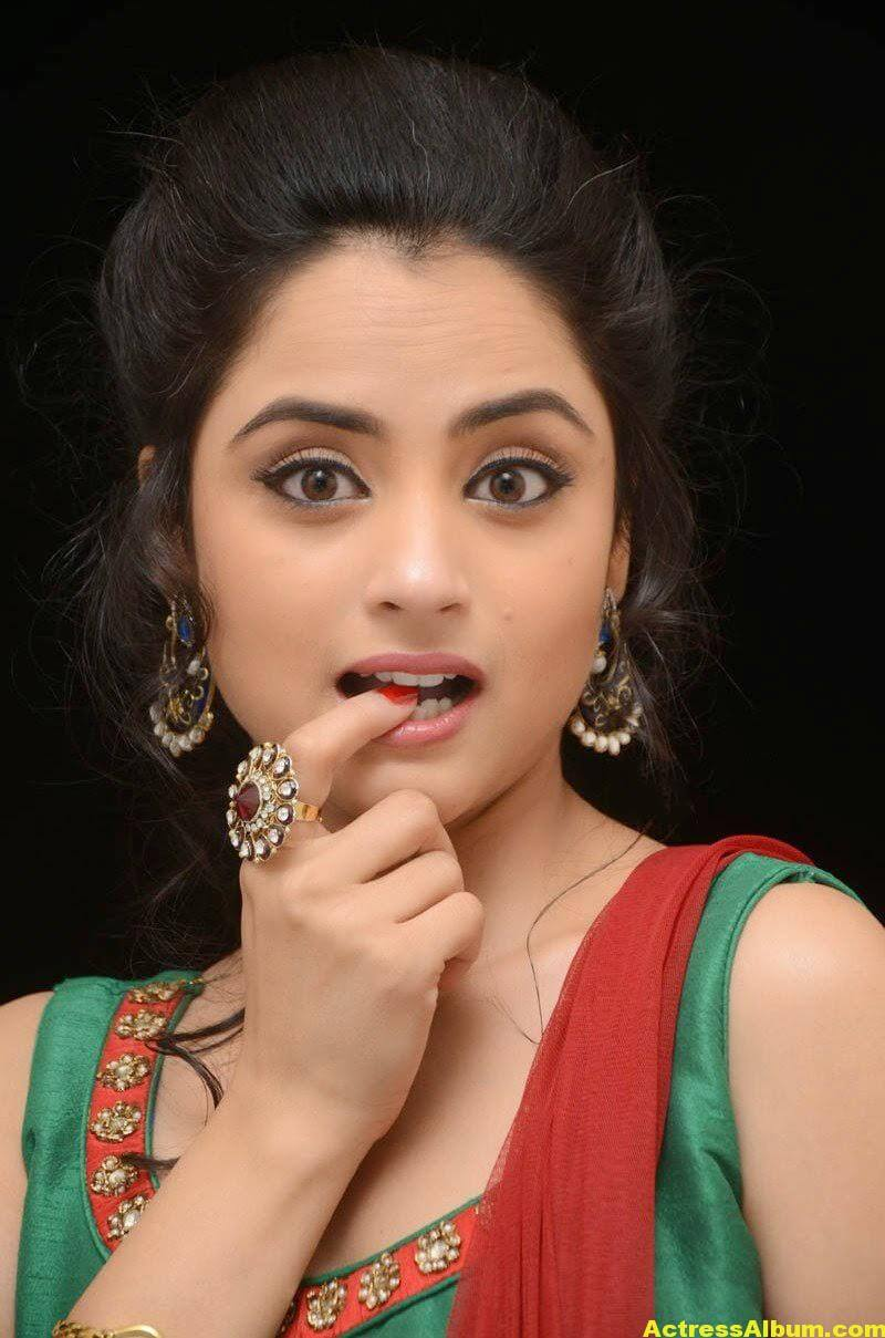 Madirakshi Mundle Hot Photoshoot In Green Dress 3