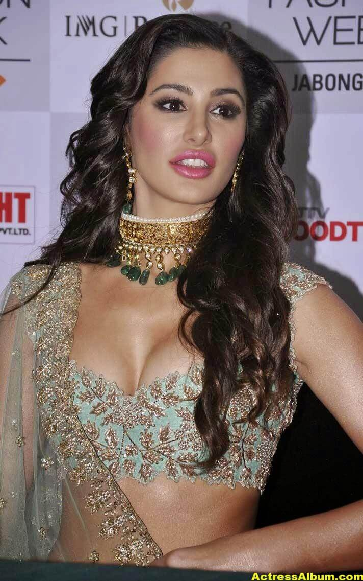 Nargis Fakhri Latest Hot Photos In Pink Dress 2