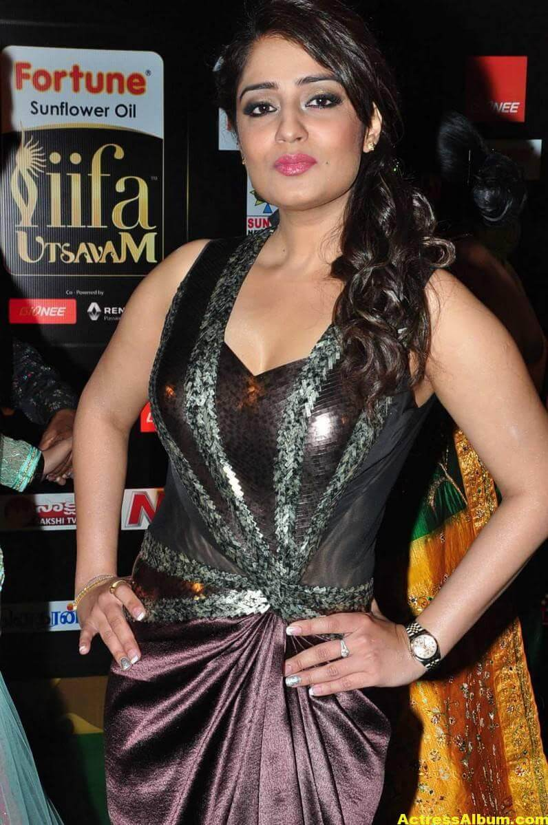 Nikita Thukral Hot Stills At IIFA Utsavam Awards 2