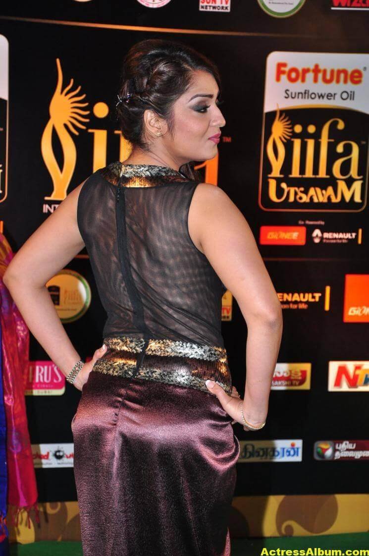 Nikita Thukral Hot Stills At IIFA Utsavam Awards 6