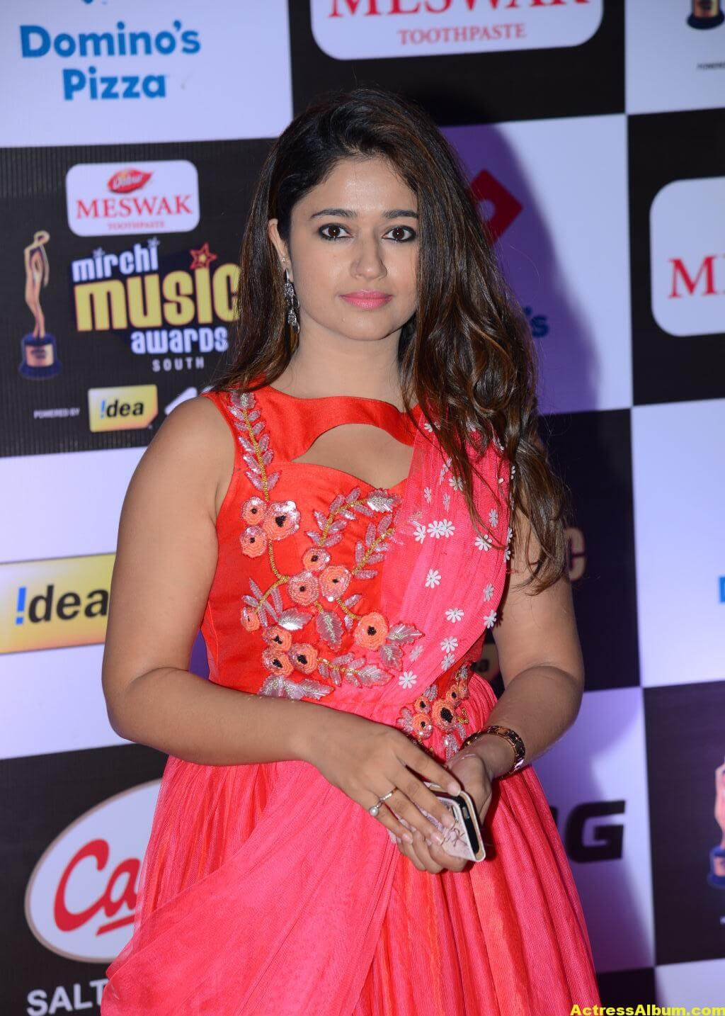 Poonam Bajwa Hot At Mirchi Music Awards In Pink Dress 1