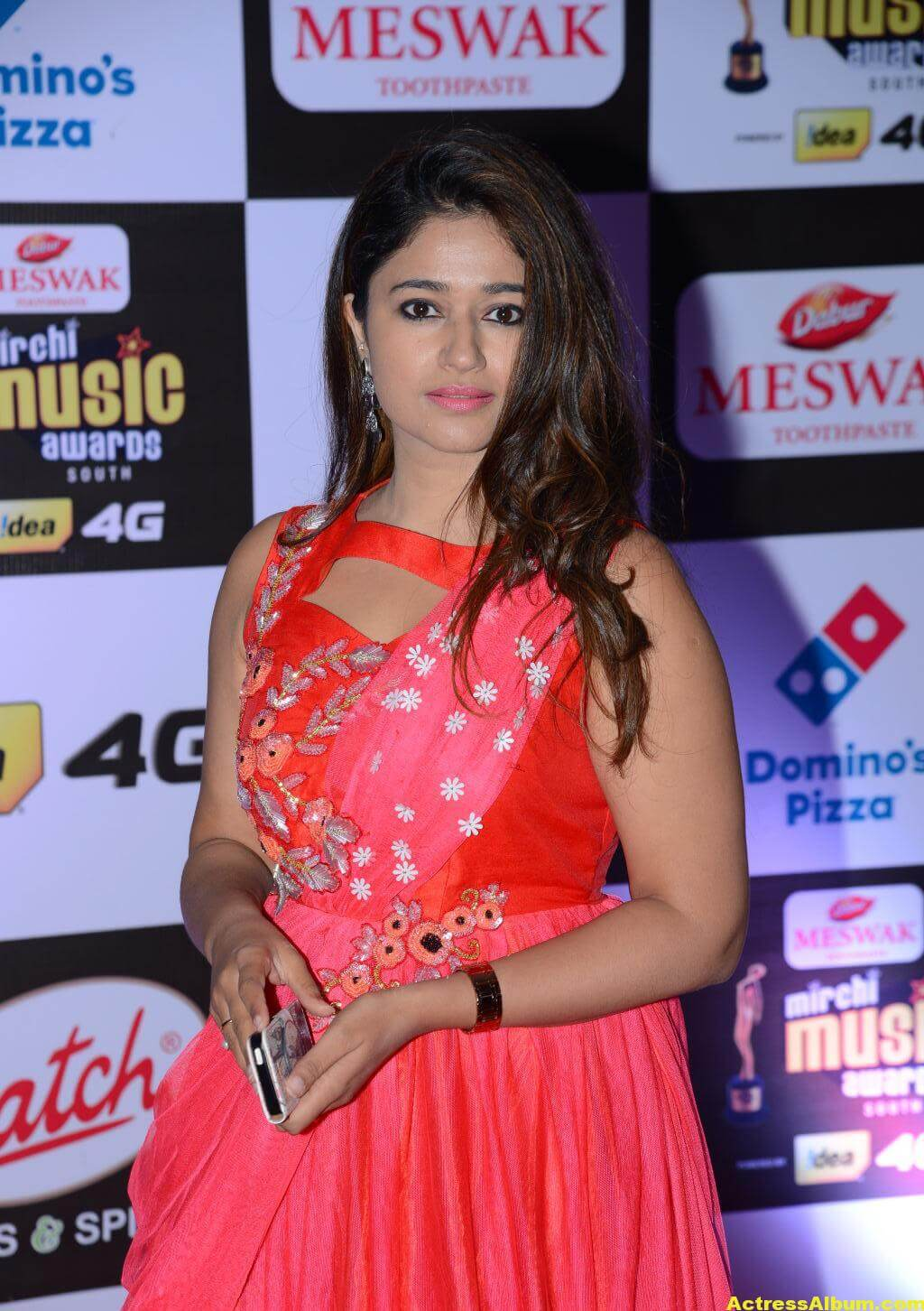 Poonam Bajwa Hot At Mirchi Music Awards In Pink Dress 3