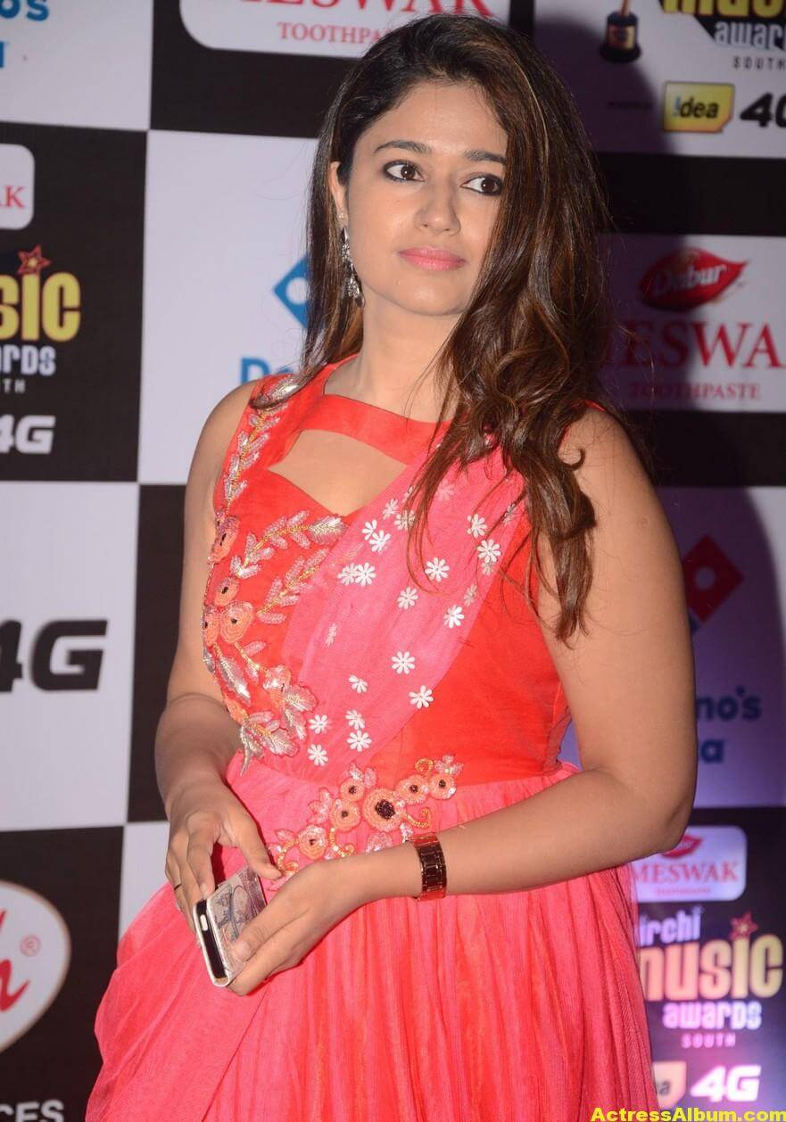 Poonam Bajwa Hot At Mirchi Music Awards In Pink Dress 6