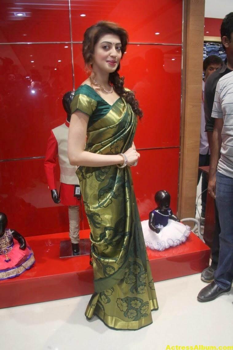 Pranitha Subhash Photos In Green Pattu Saree 2