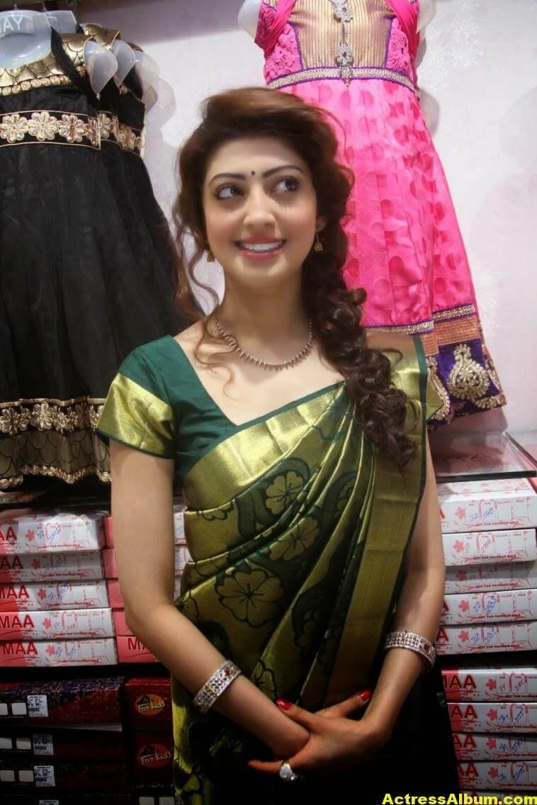 Pranitha Subhash Photos In Green Pattu Saree 4