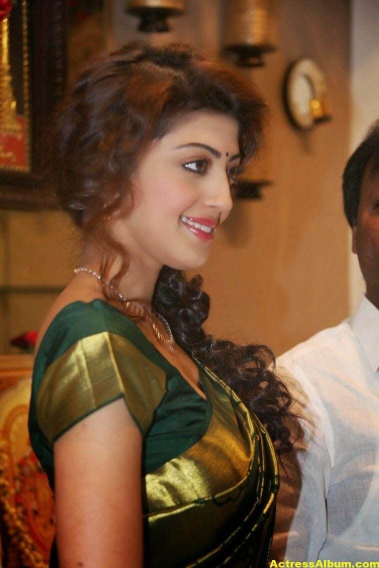 Pranitha Subhash Photos In Green Pattu Saree 5
