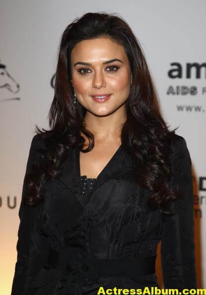 Preity Zinta Latest Photos In Black Dress 1
