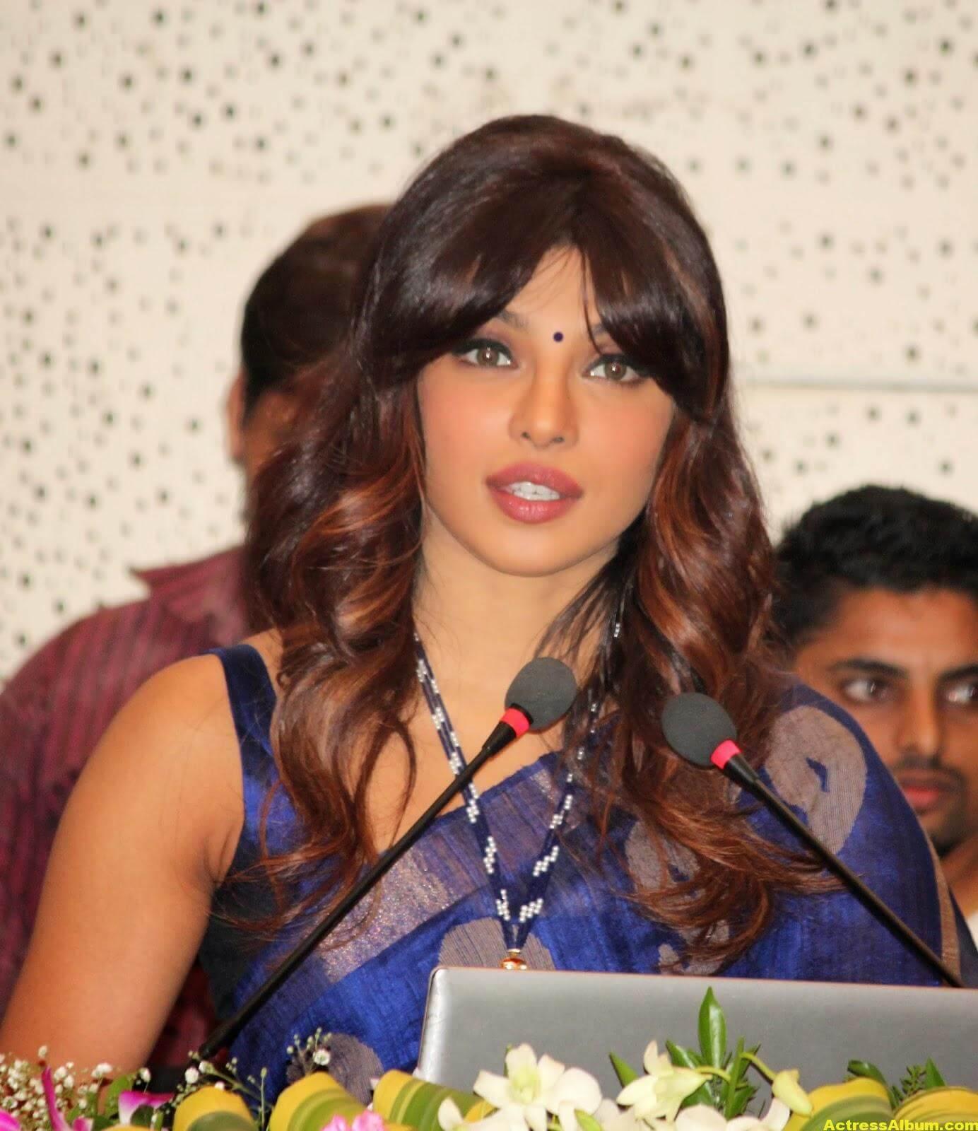 Priyanka Chopra Latest Photos In Blue Saree 4