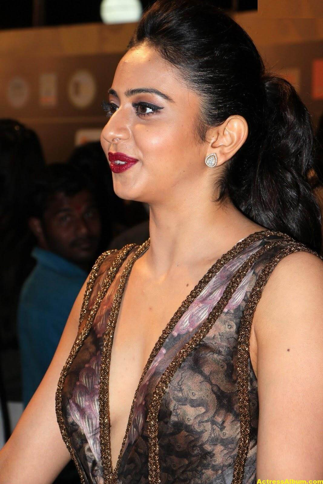 Rakul Preet Singh Hot Stills At Iifa Utsavam 4