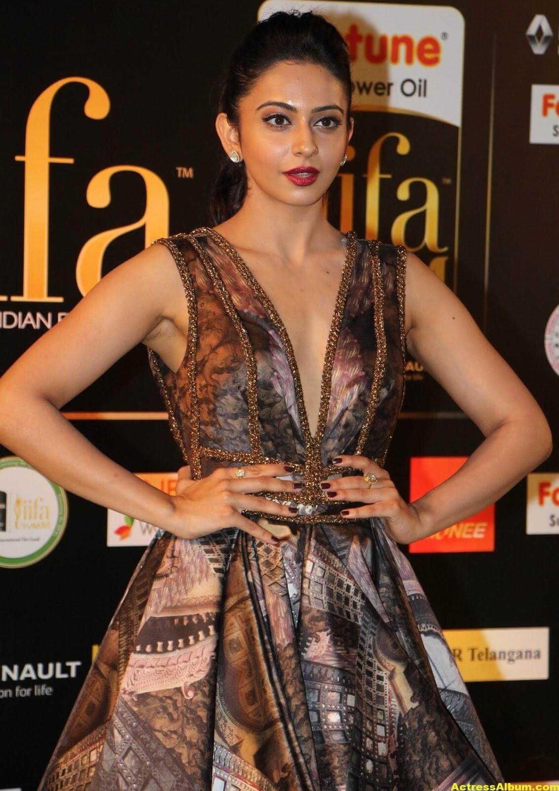 Rakul Preet Singh Hot Stills At Iifa Utsavam 7