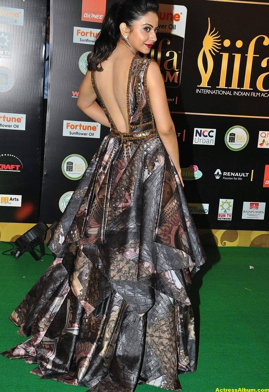 Rakul Preet Singh Hot Stills At Iifa Utsavam 9