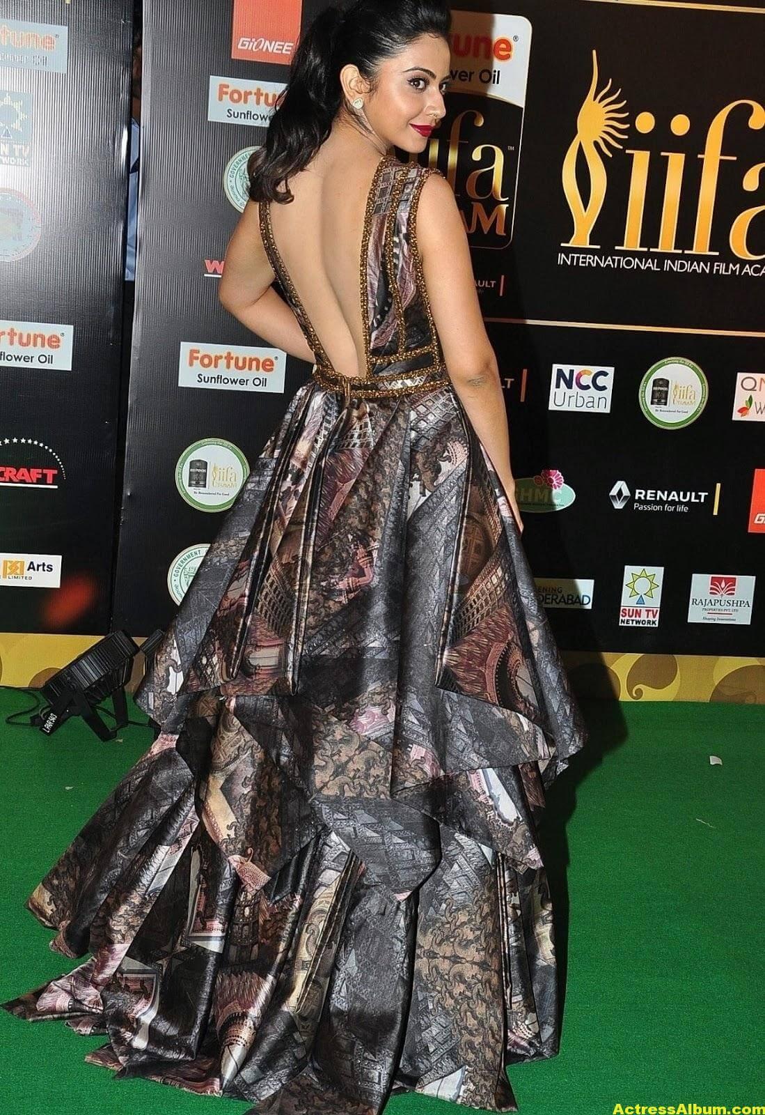 Rakul Preet Singh Hot Stills At Iifa Utsavam 9