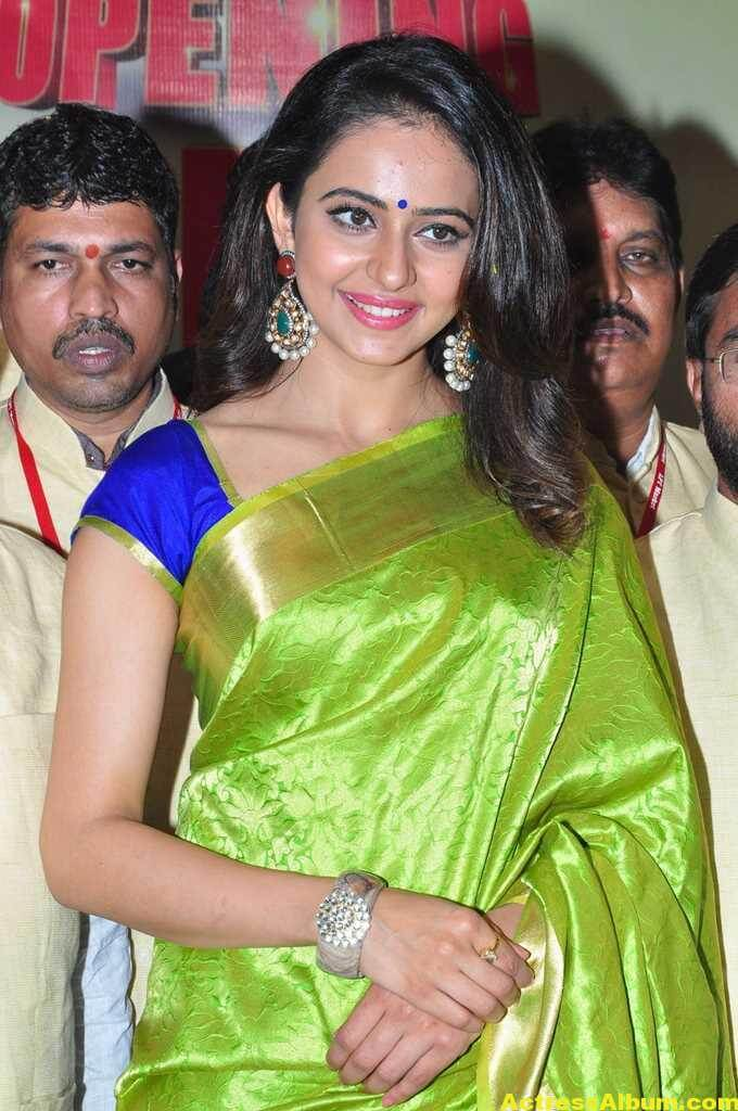 Rakul Preet Singh Stills At Shop Launch In Green Saree 3