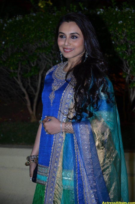 Rani Mukerji Hot Photos At Wedding Reception In Blue Dress 1