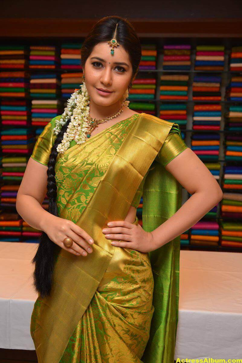Rashi Khanna Stills In Green Kanchipuram Saree 1