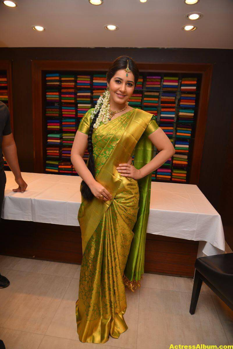 Rashi Khanna Stills In Green Kanchipuram Saree 3